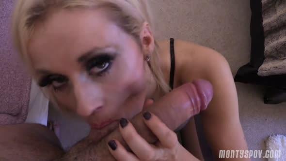 PORNO SEX luxusni blondyna ma analni premieru 1093944 mp4