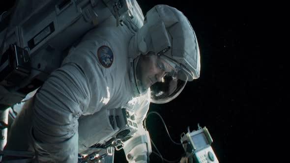 Gravitace (2013) 1080p HD CZ 5 1 AC3 mkv