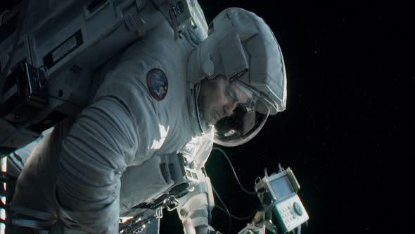 Gravitace   Otmar 1080p CZ dab mkv