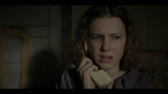 Stranger Things S03E02 The Mallrats 1080p NF WEB DL DDP5 1 HDR HEVC MZABI mkv