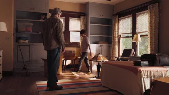 Děda, postrach rodiny   War With Grandpa 2020 EN 1080p Komedie Rodinný mp4