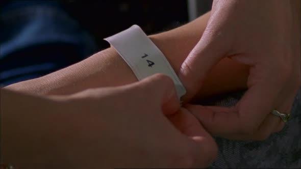 Pacient č 14  The Eavesdropper (2004)(CZ) avi