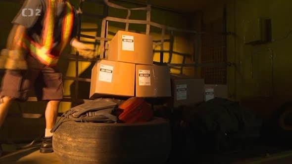 Letecké katastrofy 7x02   Požár v nákladovém prostoru avi