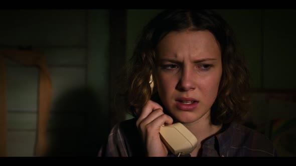 Stranger Things S03E02  The Mall Rats,720p, CZ titulky mkv