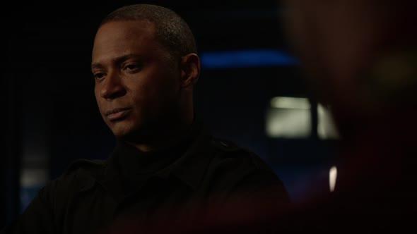 Arrow S07E09 Elseworlds Part 2 720p AMZN WEB DL DDP5 1 H 264 CasStudio mkv