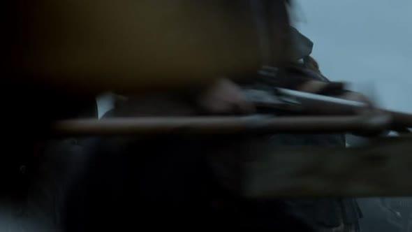 Cizinka   Outlander S03E01 CZ TITULKY avi