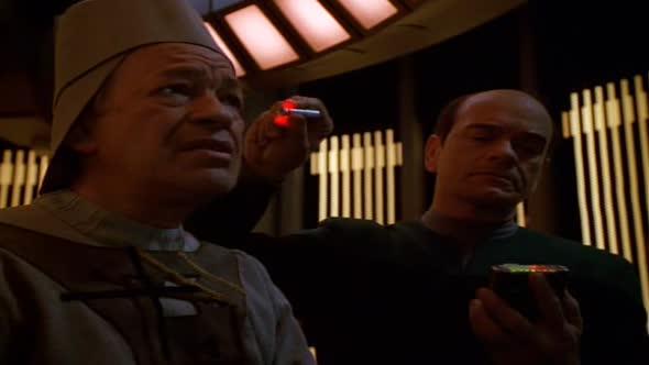 Star Trek Voyager S03E24 Vyhnanci mkv