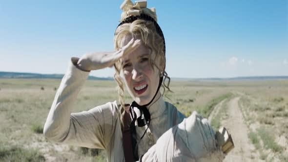 Zena jde napred Woman Walks Ahead 2017 720p BluRay cz dabing (1) mkv
